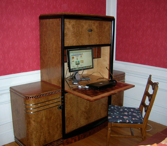 art deco computer staition